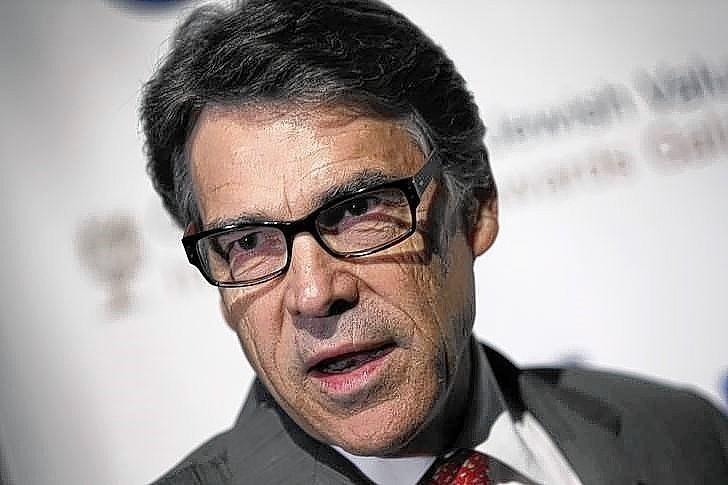 "Texas Gov. Rick Perry suggests that Illinois act more like Texas and limit the influence of government. ""I know a strong Illinois is vital to keeping our nation strong. It's my fervent hope that Illinois will follow our lead, and the lead of other red states."""