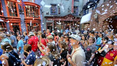 Universal's Diagon Alley opens with long lines, die-hard Potter fans