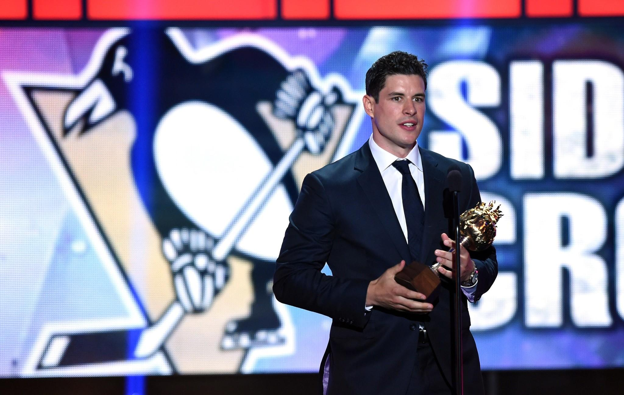 Sidney Crosby of the Penguins speaks after winning the Hart Memorial Trophy during the 2014 NHL Awards at the Encore Theater at Wynn Las Vegas.