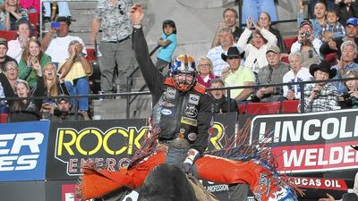 8 the hard way: Pro bull riders cowboy up in Orlando
