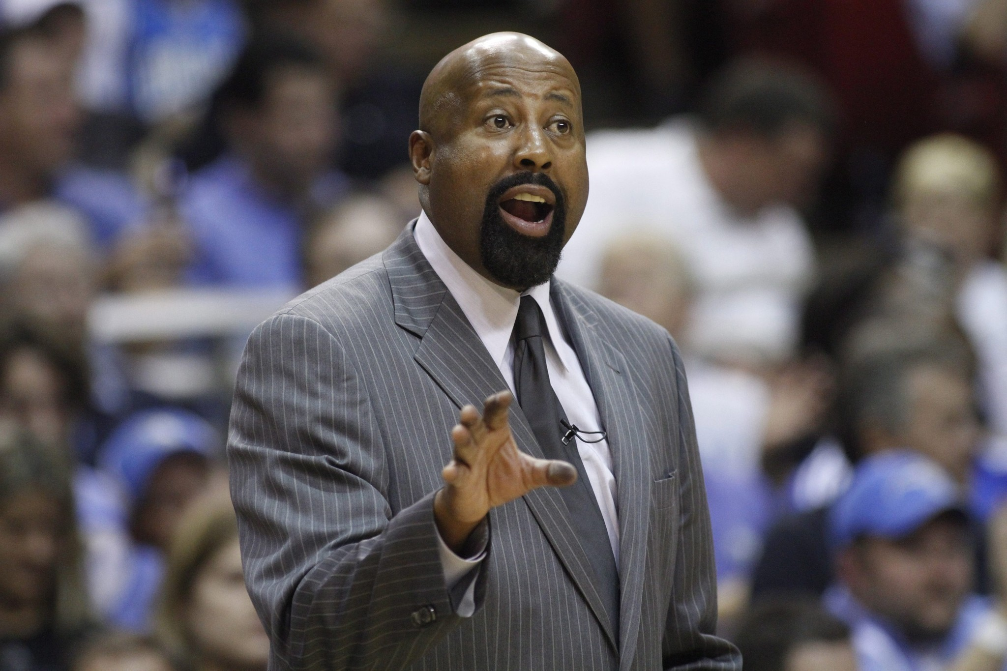 Clippers to hire former Knicks coach Mike Woodson as an assistant