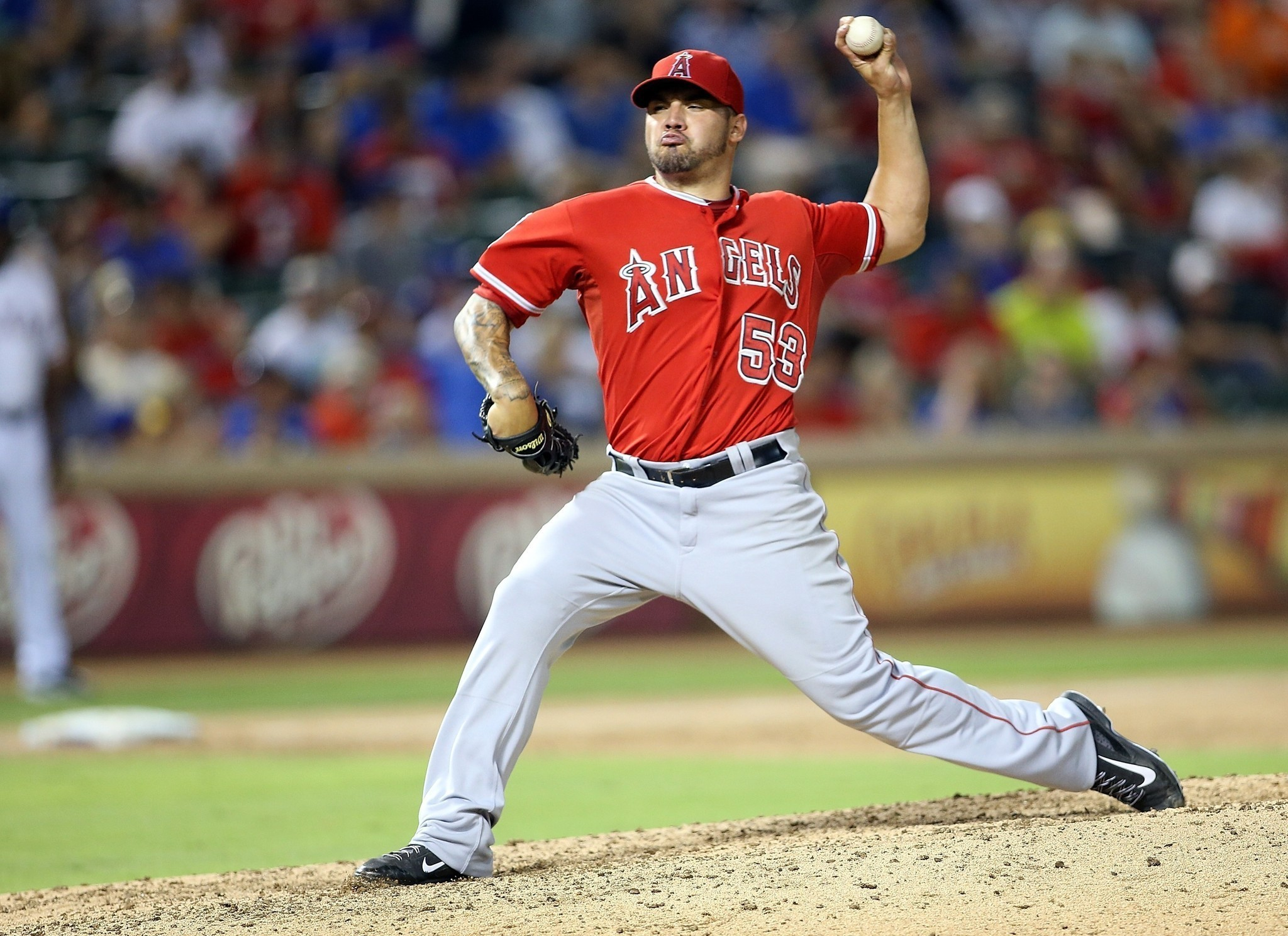 Hector Santiago finally gets his first win with Angels