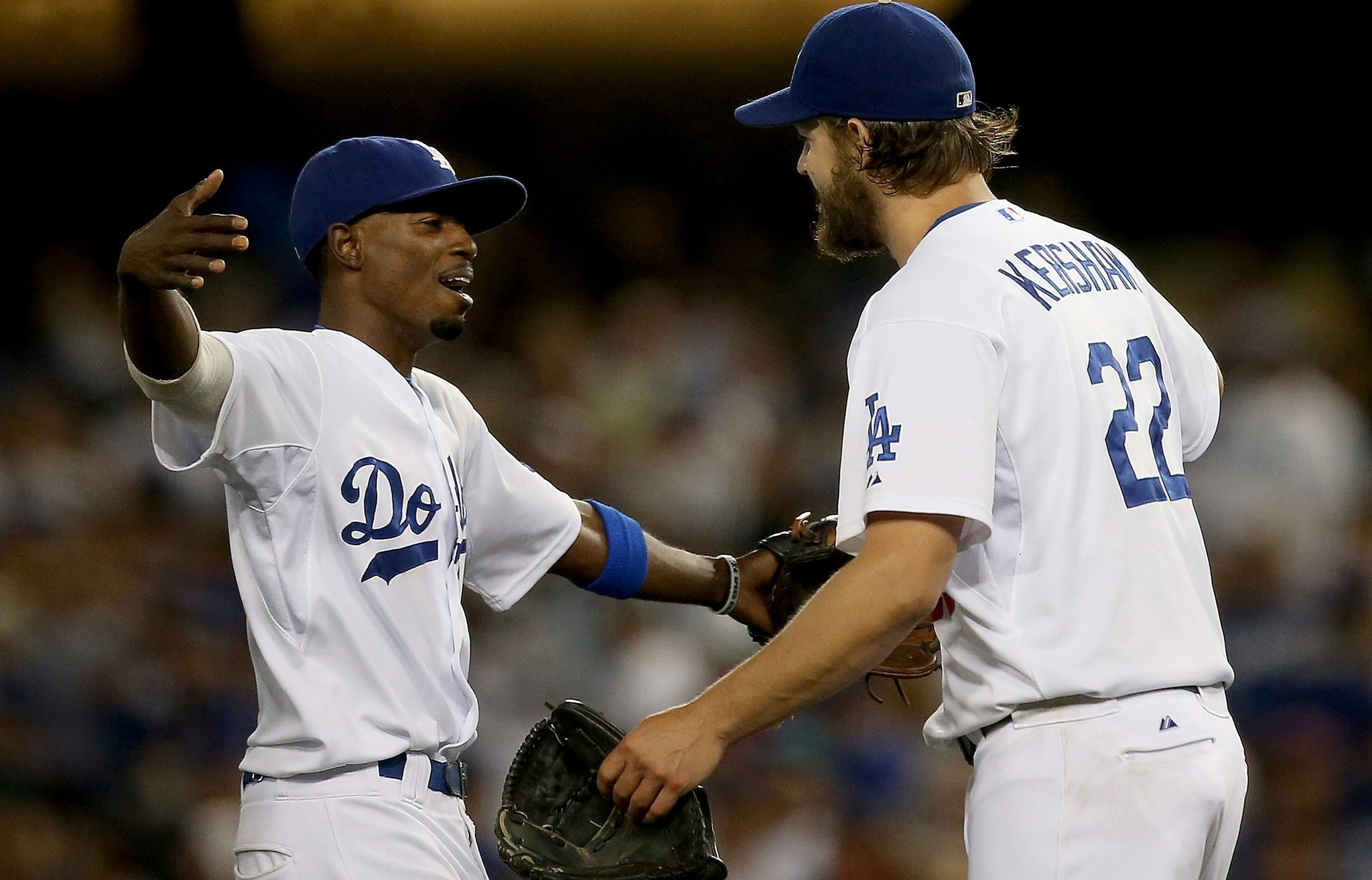 Clayton Kershaw's streak ends, but Dodgers top Padres, 2-1