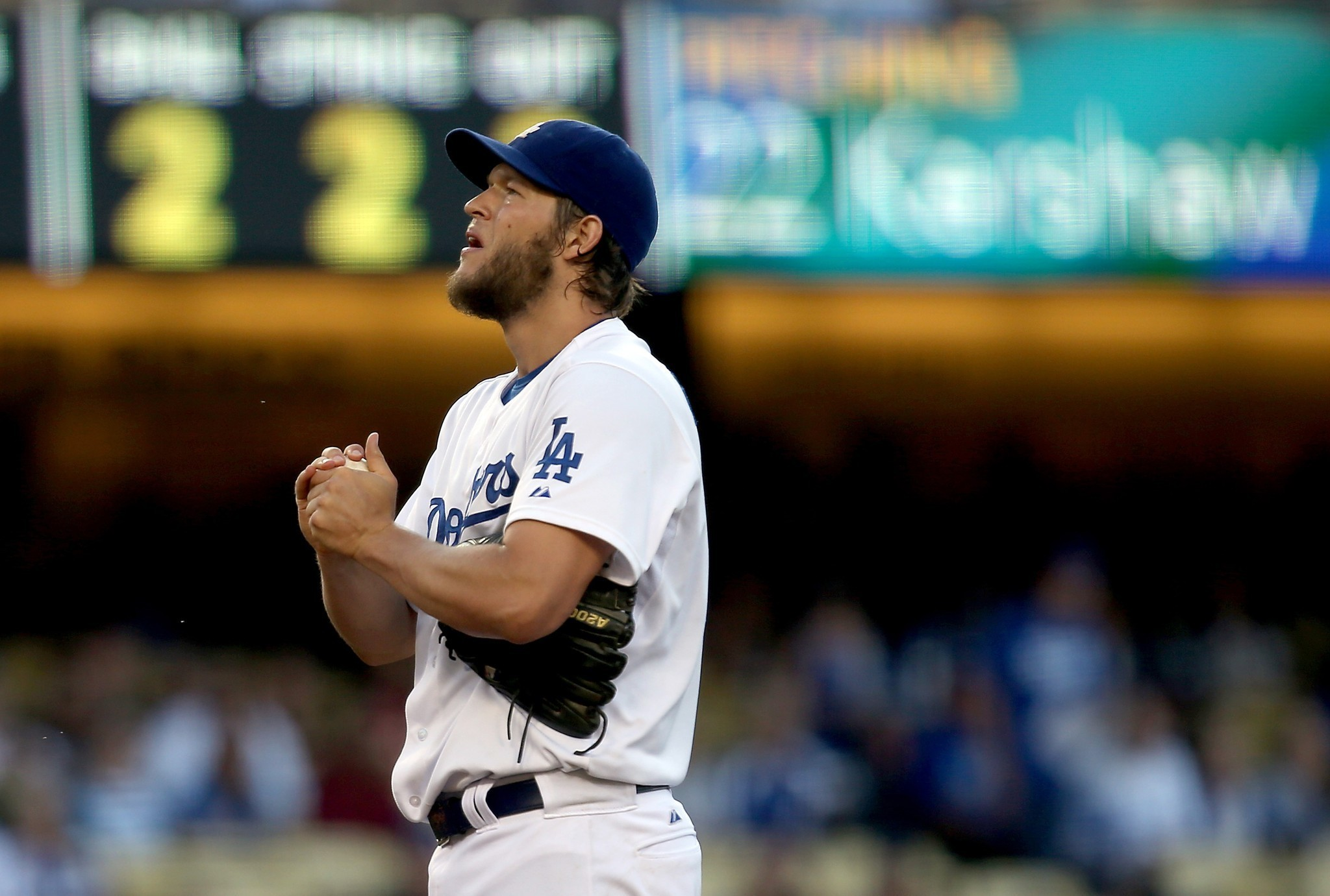 Dodgers win, Kershaw's streak ends and Crawford sits