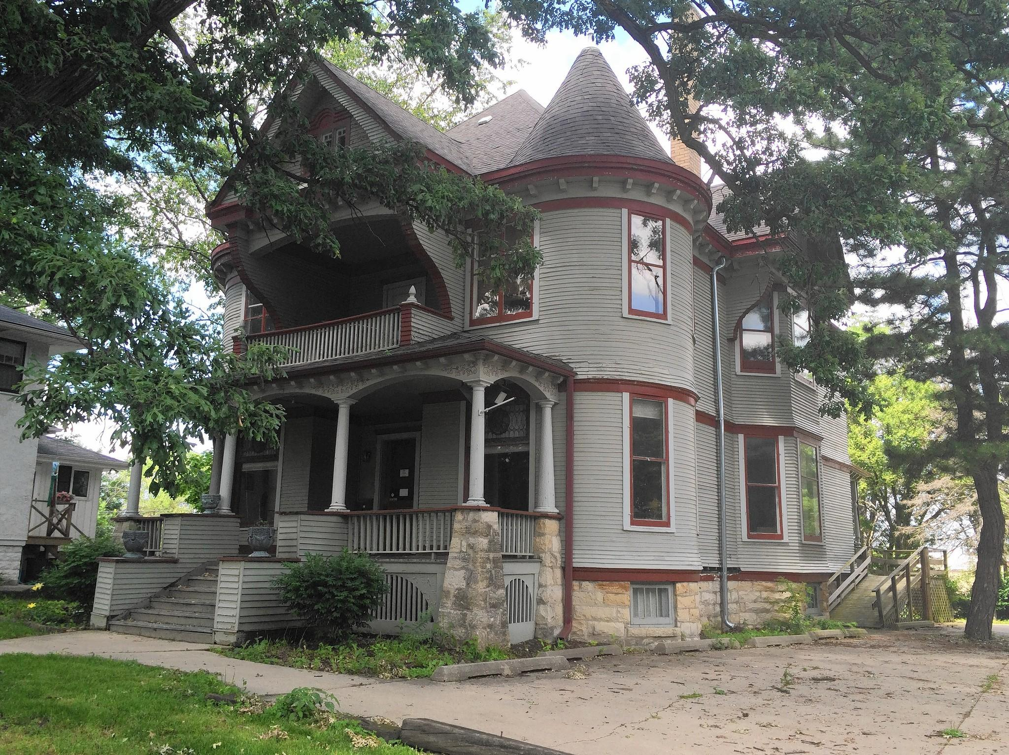 Residents Push To Protect Downers Grove Victorian House