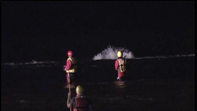 Video: Search continues for man stuck in Wilmington Dam in Kankakee river