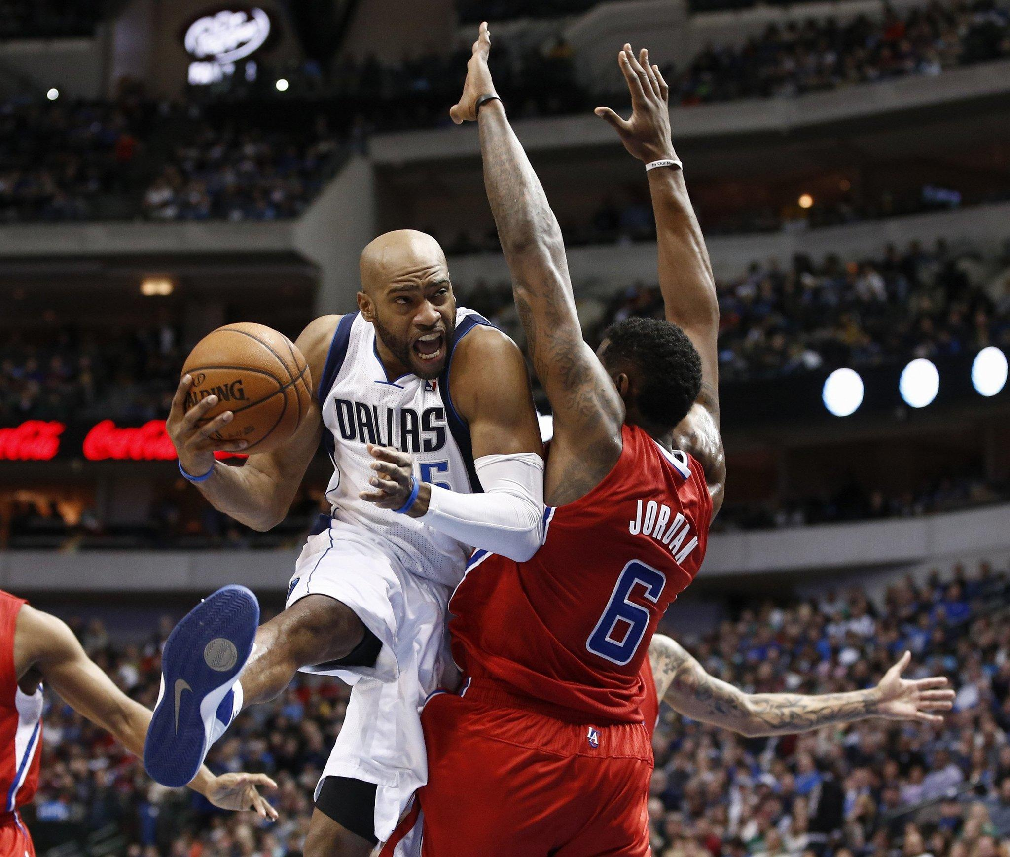 Vince Carter, who played for the Mavericks last season, is headed to Memphis to join the Grizzlies.