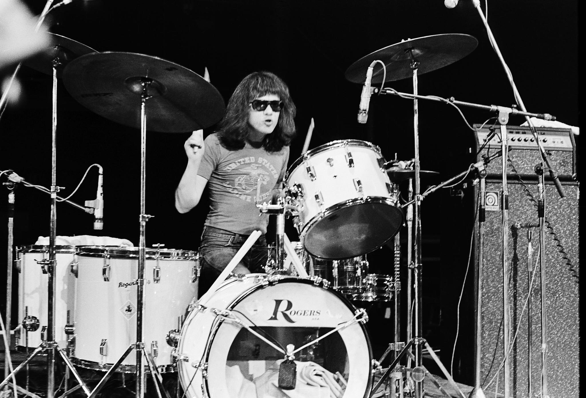Tommy Ramone (Thomas Erdelyi) performs on stage with The Ramones at The Roundhouse in London on 4th July 1976.