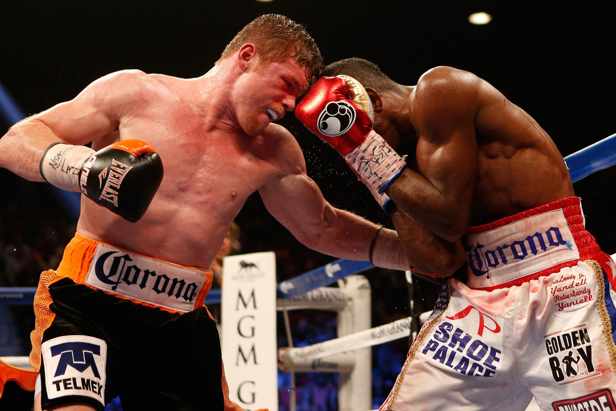 Saul 'Canelo' Alvarez does enough to beat Erislandy Lara