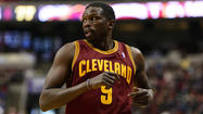 Luol Deng signs with Heat