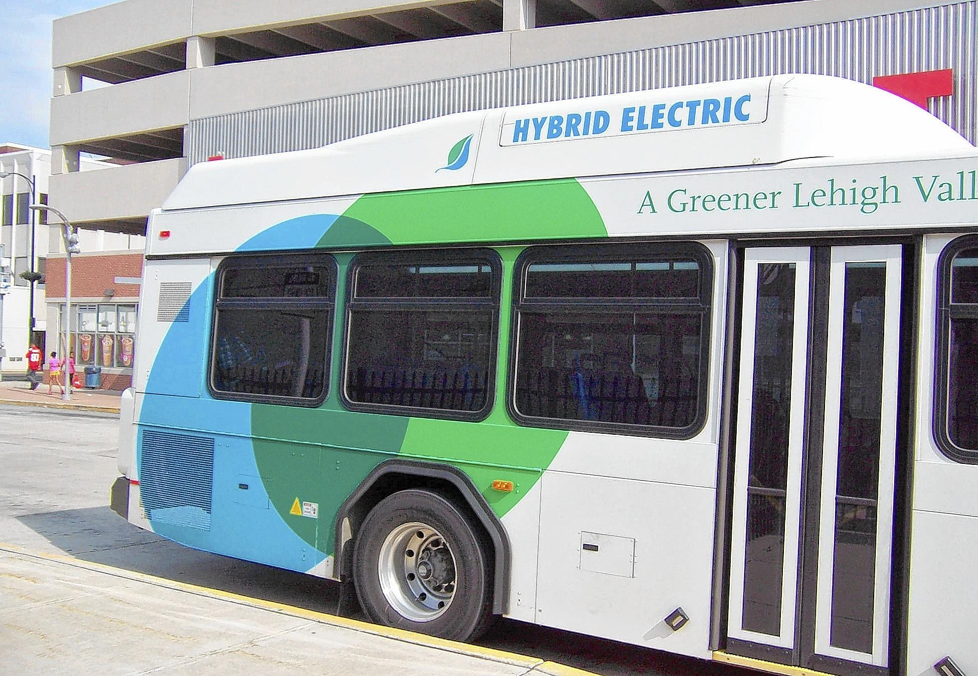 LANTA's diesel-electric hybrid buses are almost identical in appearance to the standard diesel-engine buses, except for the raised storage areas for the batteries at the rear of the vehicle.