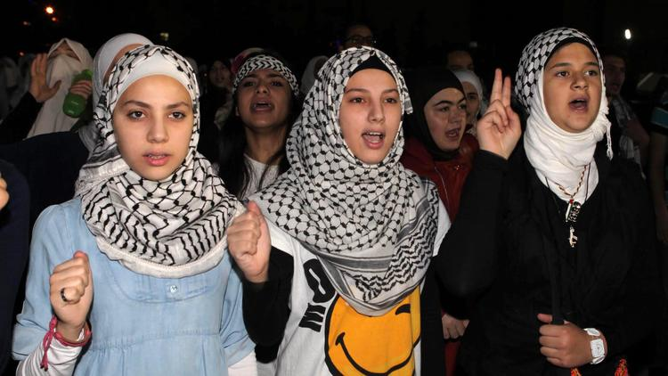 Jordanians protest against air strikes in Gaza