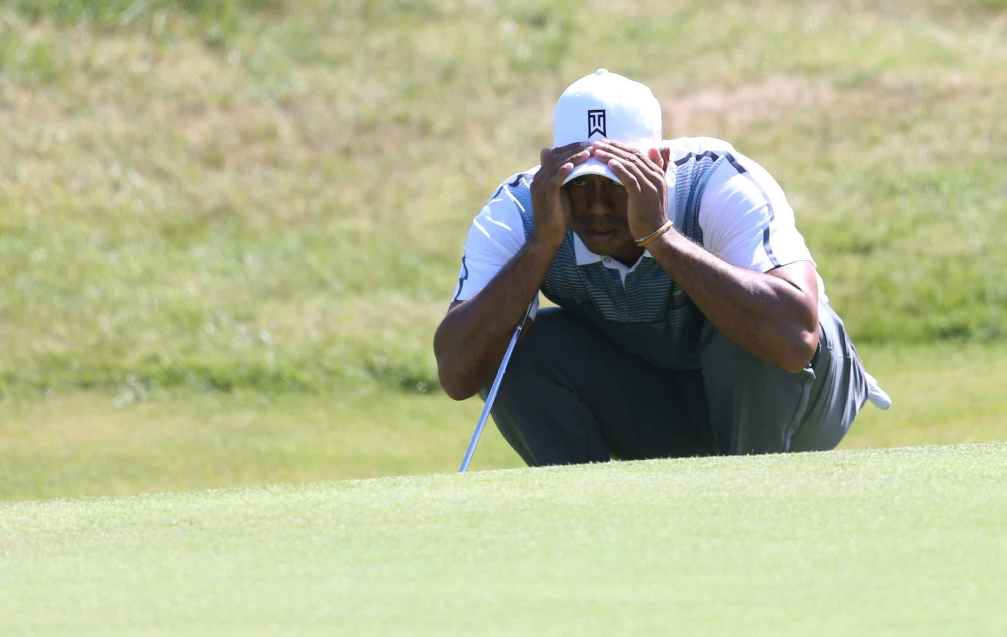 Tiger Woods shakes off rust with 3-under first round at British Open