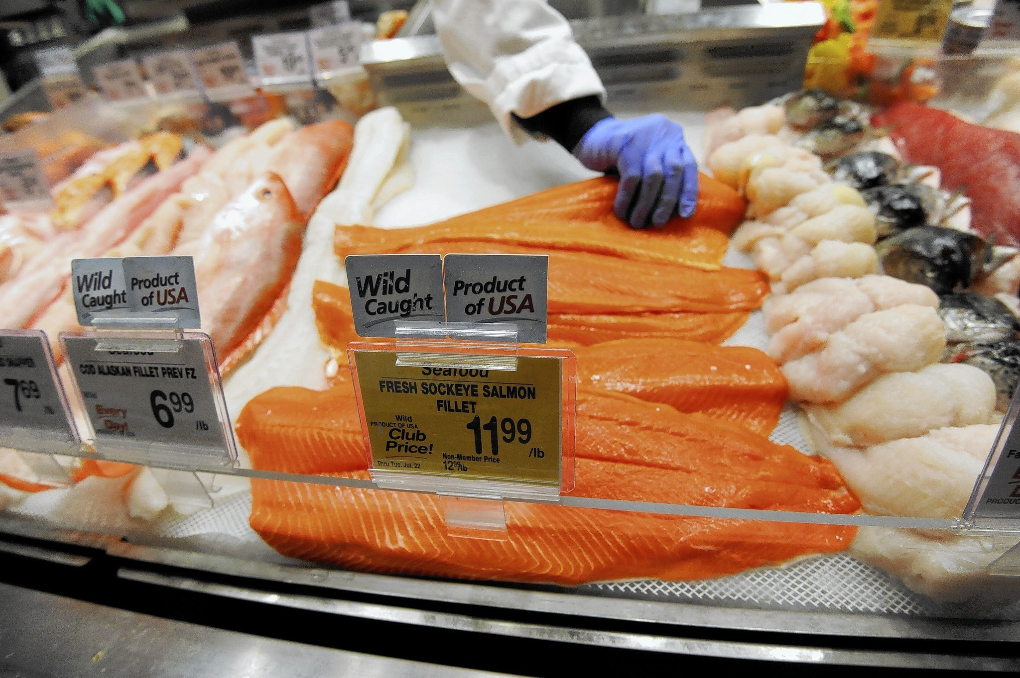salmon on sale at safeway