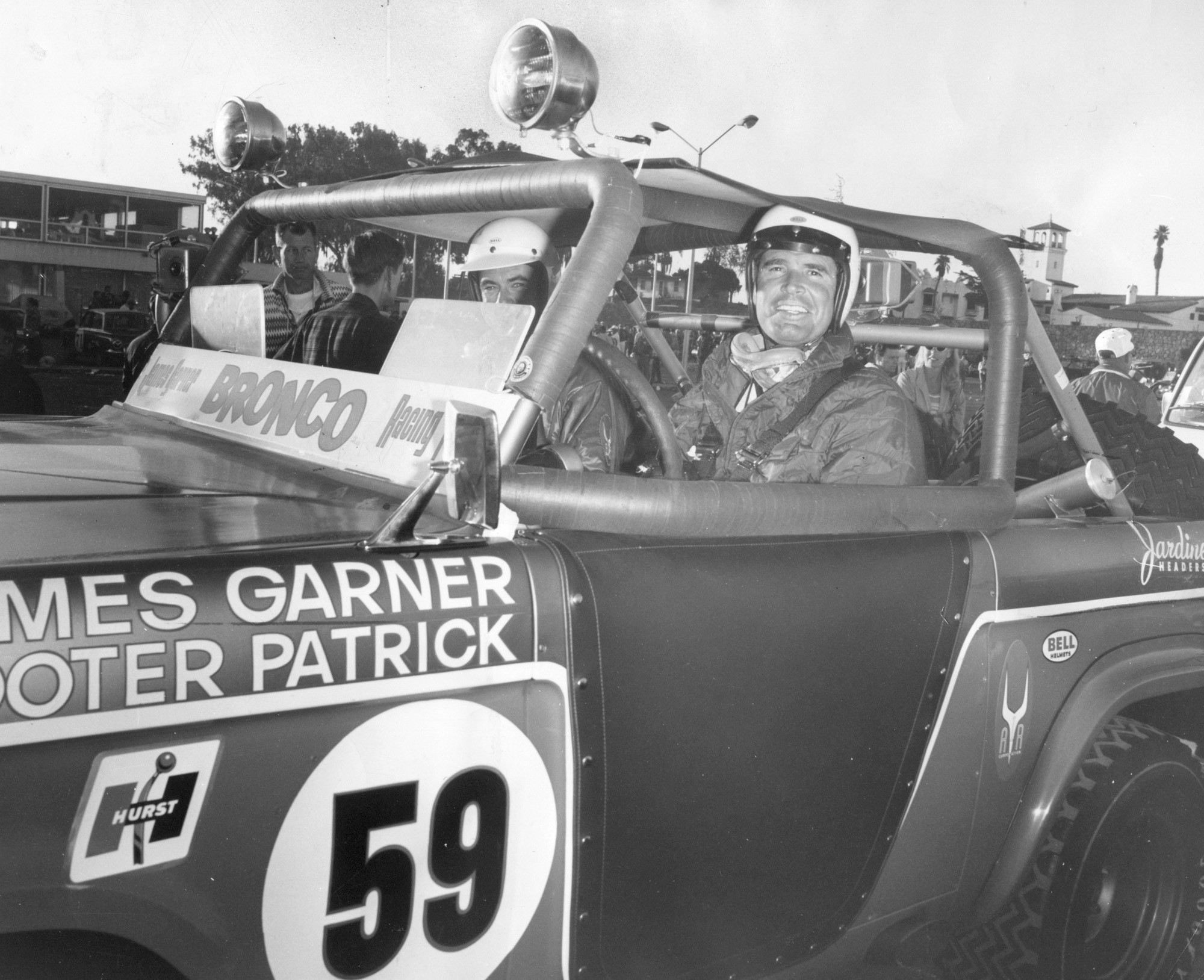 Motor racing loses a major fan as actor james garner dies for Major motors baltimore maryland