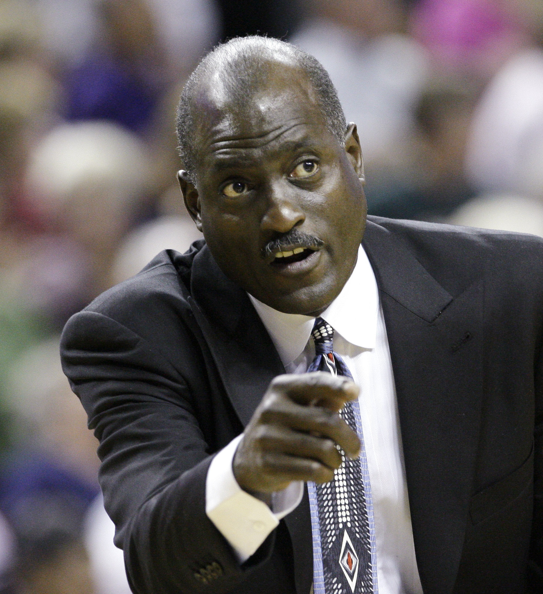 Former Lakers star Michael Cooper is diagnosed with tongue cancer