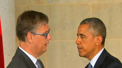 Obama Offers Condolences at Dutch Embassy