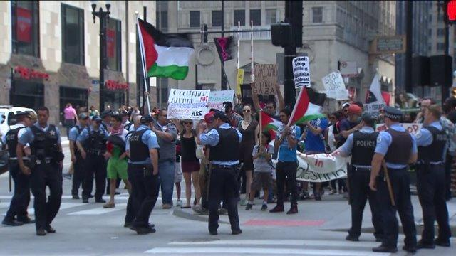 Chicago rally protests fighting in Gaza