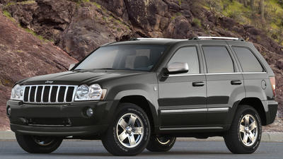 Chrysler announces recall of up to 800,000 Jeep SUVs