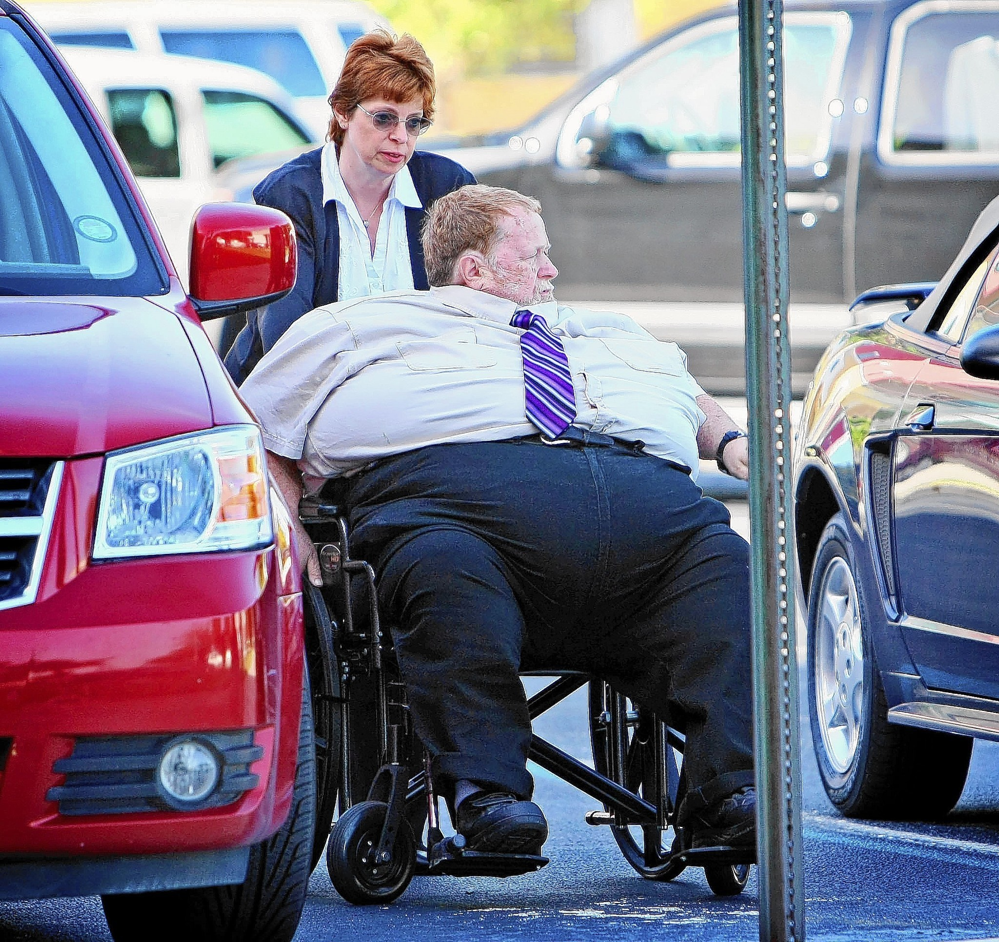 Judge won't free obese man from house arrest