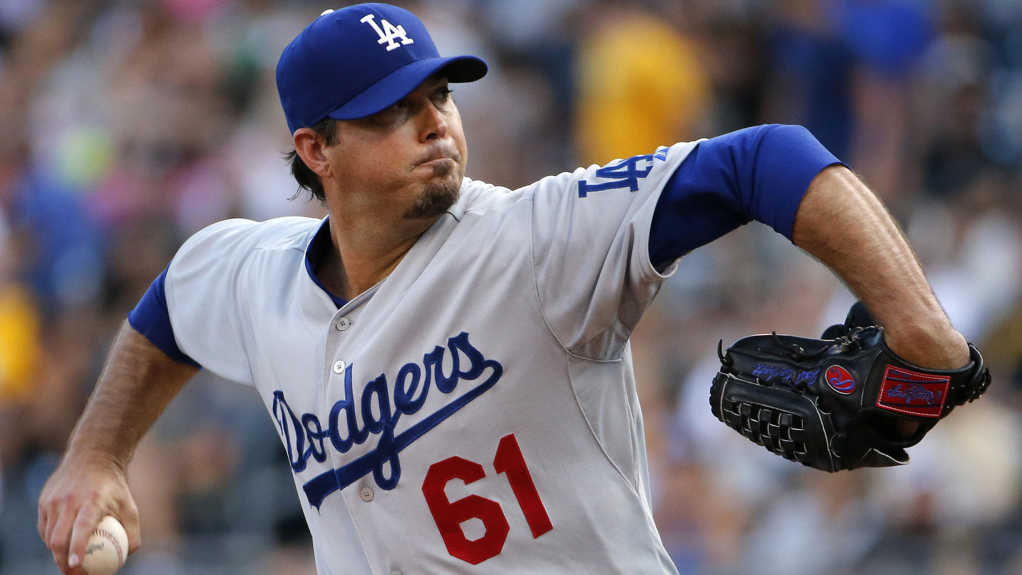 Dreadful pitching sinks Dodgers at Pittsburgh, 12-7