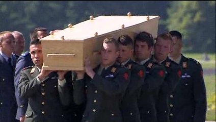 MH17 bodies arrive in Netherlands [Video]