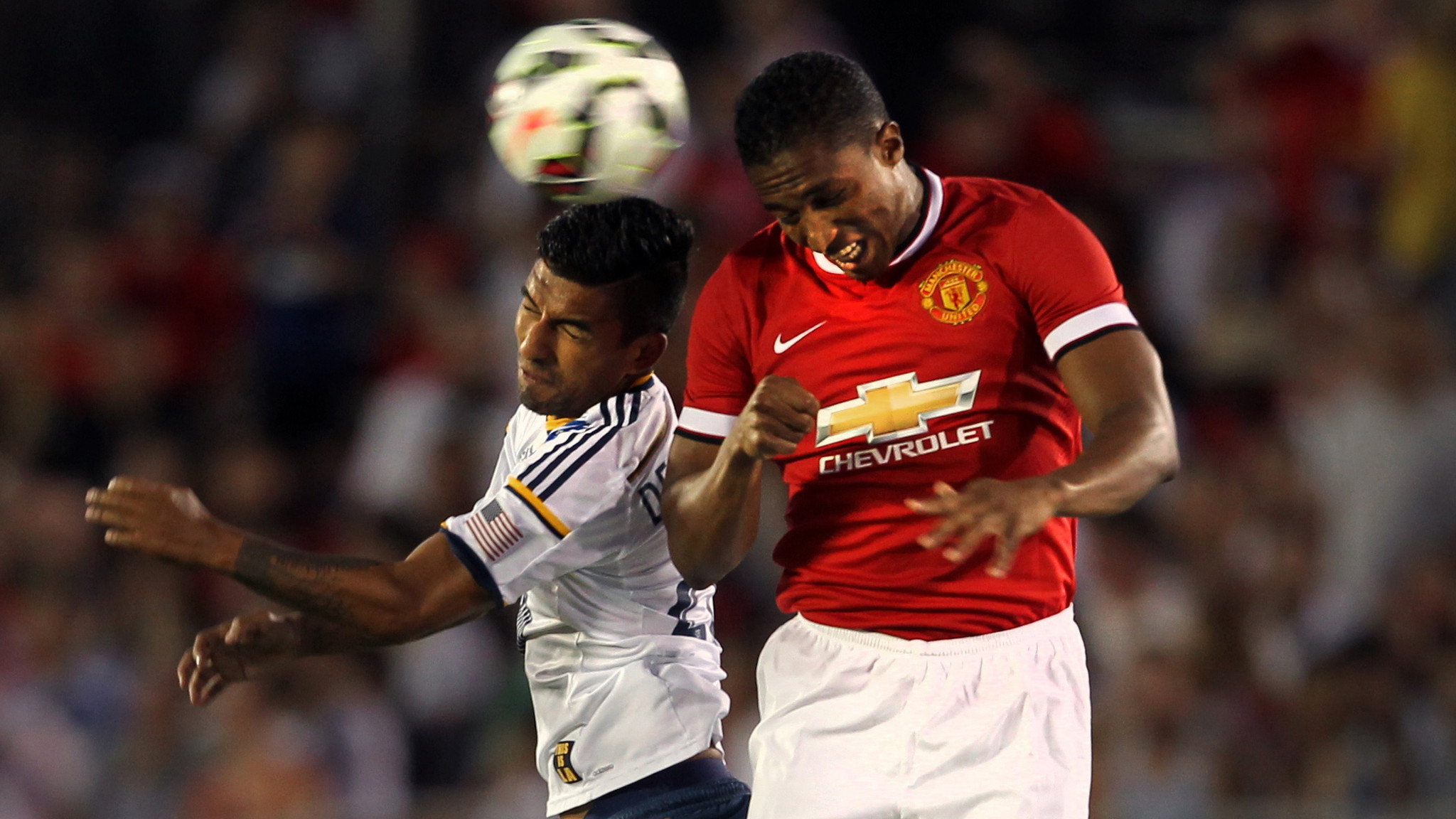 Manchester United puts on a show in 7-0 win over Galaxy
