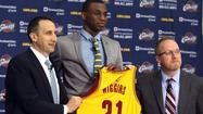 Wiggins signs with Cavaliers, can't be traded for 30 days
