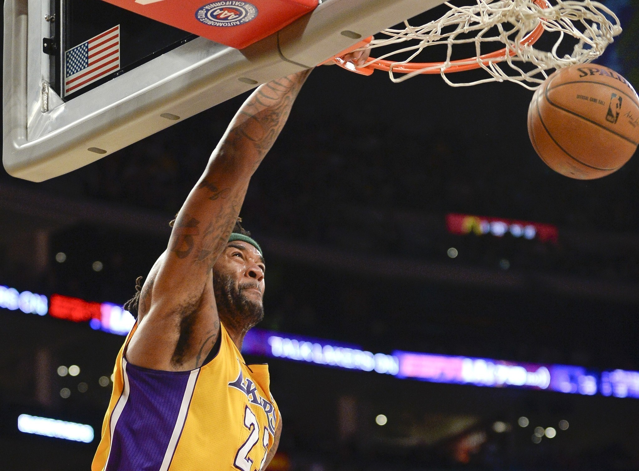Lakers unlikely to pay luxury tax for 2014-15 season