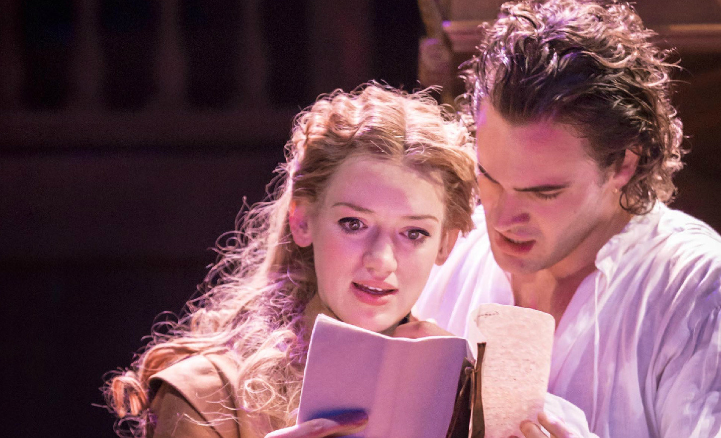Citaten Shakespeare Love : Shakespeare in love opens london to mostly raves la