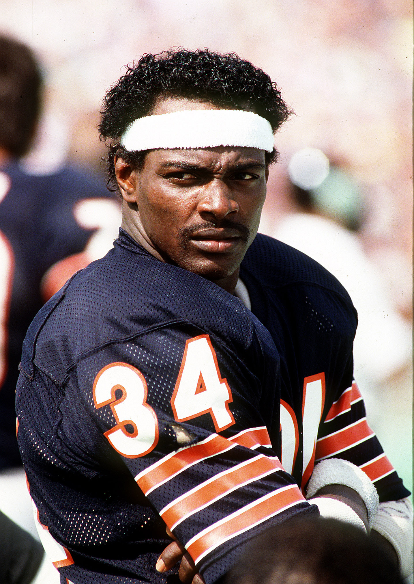 Walter Payton >> Bears great Walter Payton would've celebrated 60 as NFL, family salute him - Chicago Tribune