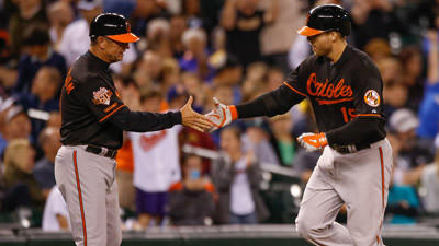Chris Davis hits a solo homer in top of 10th as Orioles beat the Mariners, 2-1