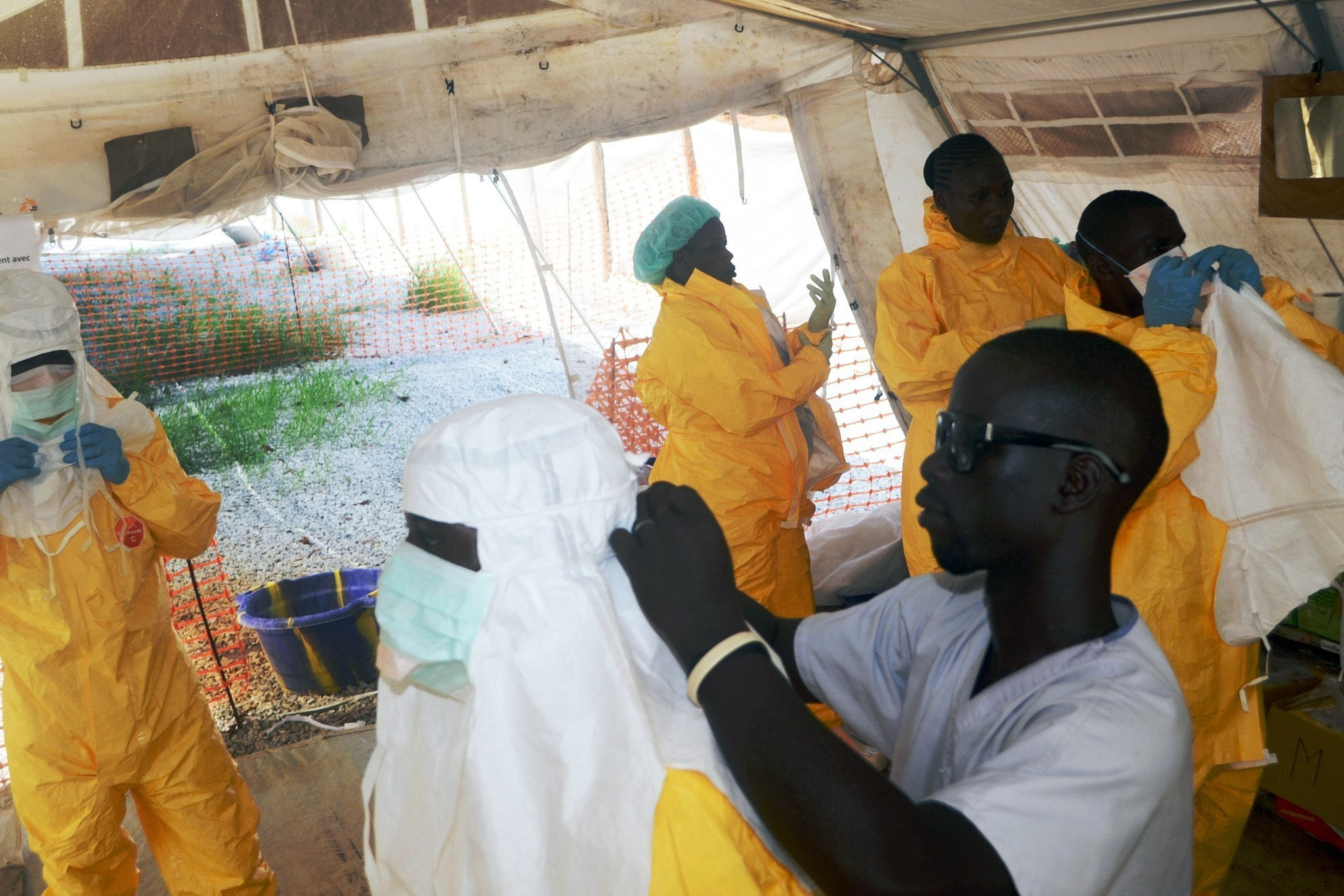 Second American volunteer contracts Ebola in West Africa