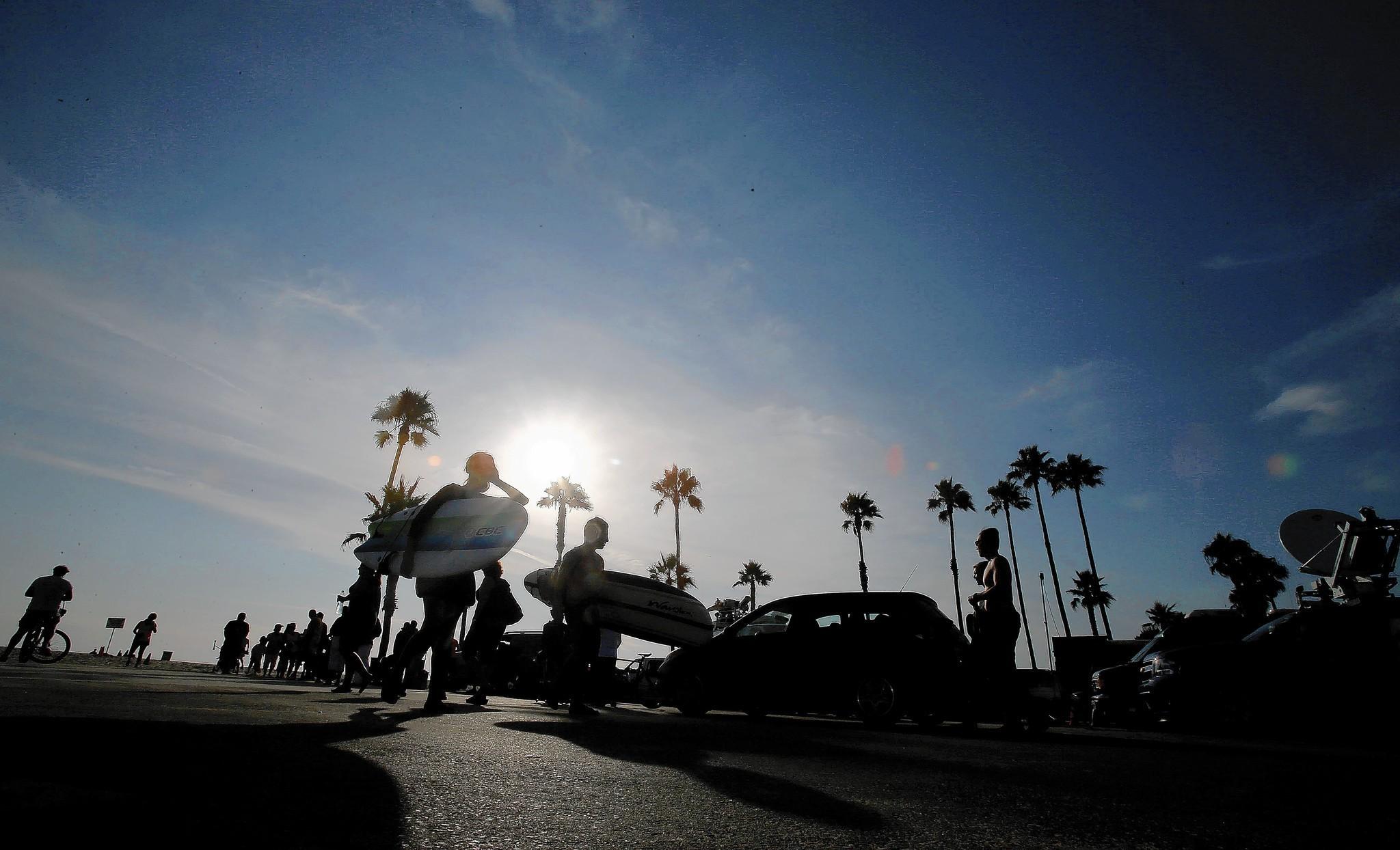 Rare lightning storm at Venice Beach kills 1  injures 13   LA Times. Old Lightning Venice Ca. Home Design Ideas