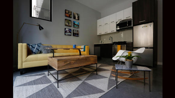 Space saving tips for decorating a very small apartment for Decorating very small apartments