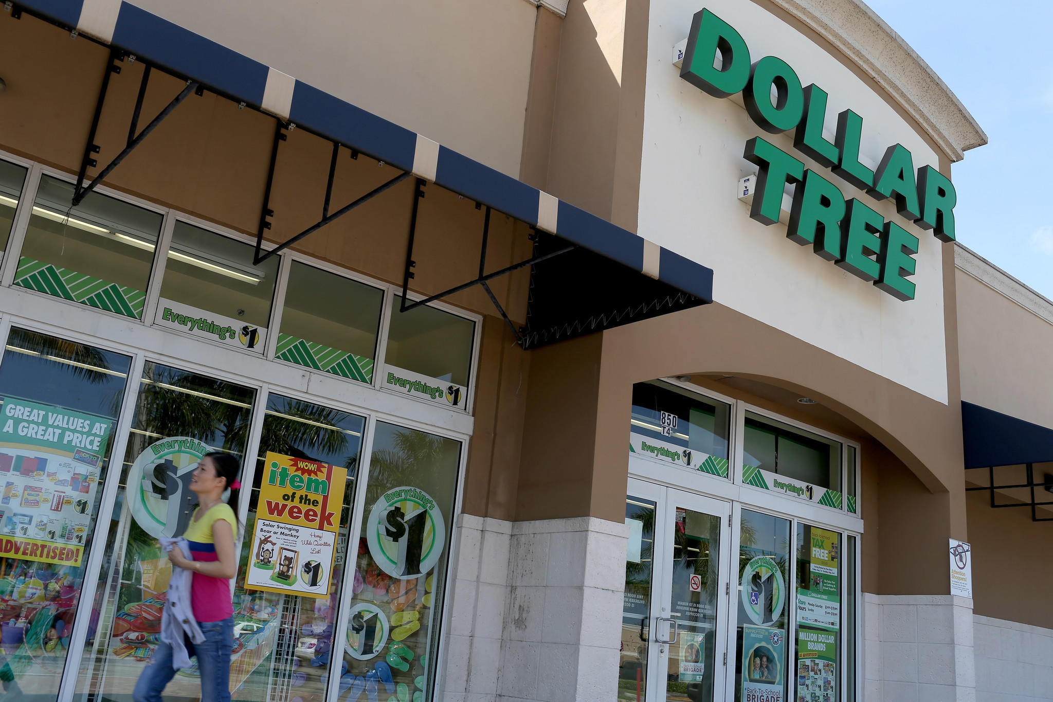 A Dollar Tree store is seen on July 28, 2014 in Miami, Florida. Dollar Tree announced it will buy Family Dollar Stores for about $8.5 billion in cash and stock.