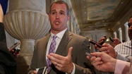 Northwestern's Pat Fitzgerald sticking to commitment policy