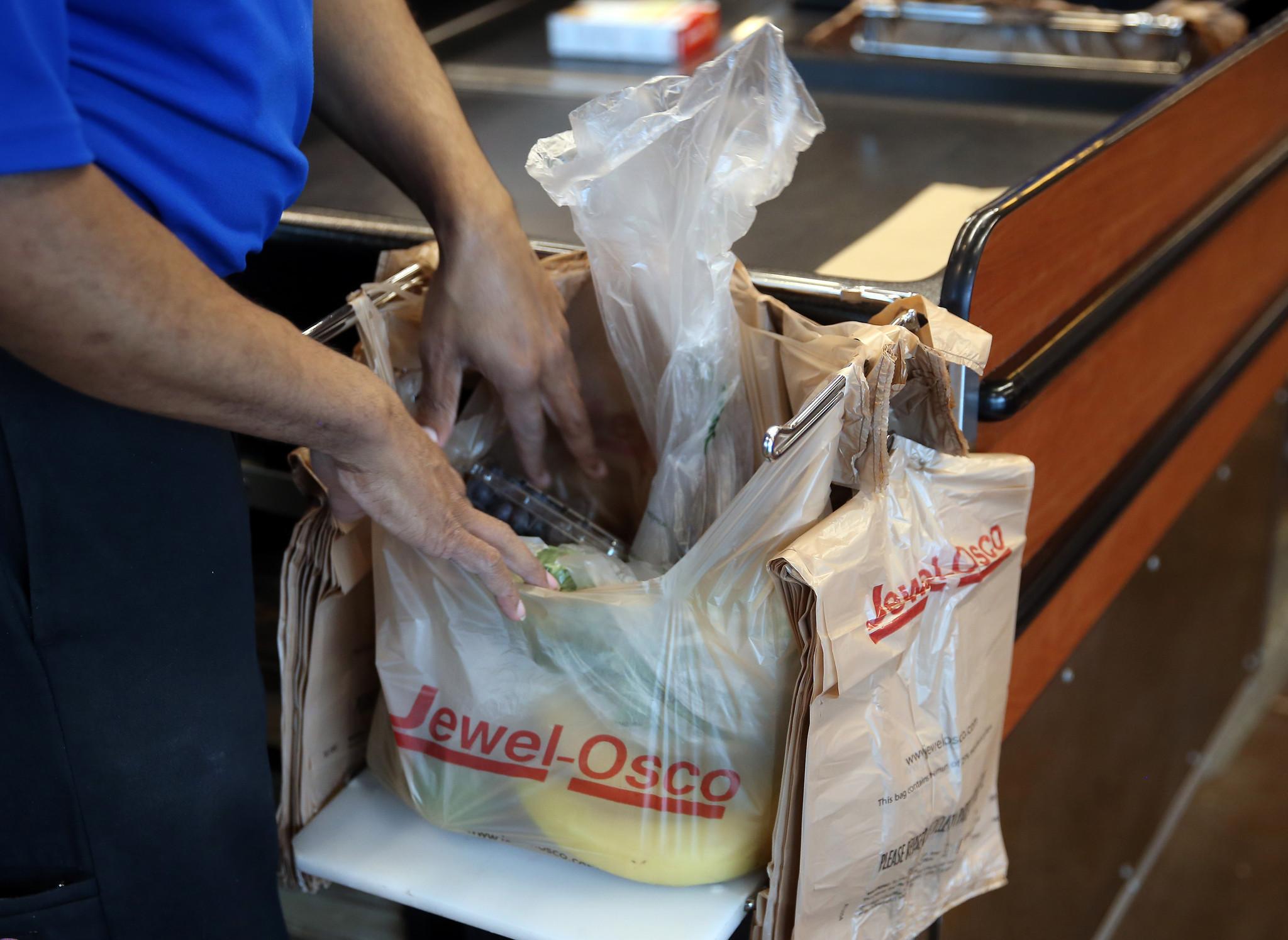 Plastic bag ban chicago - Evanston Bans Plastic Bags In Bigger Stores Starting Next Year Evanston Review