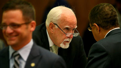 Alderman pushes through watchdog limits week after being probed
