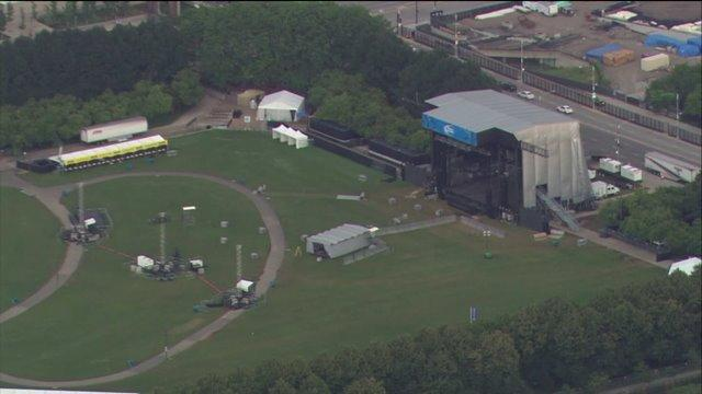 Lollapalooza preps underway; street closures in place