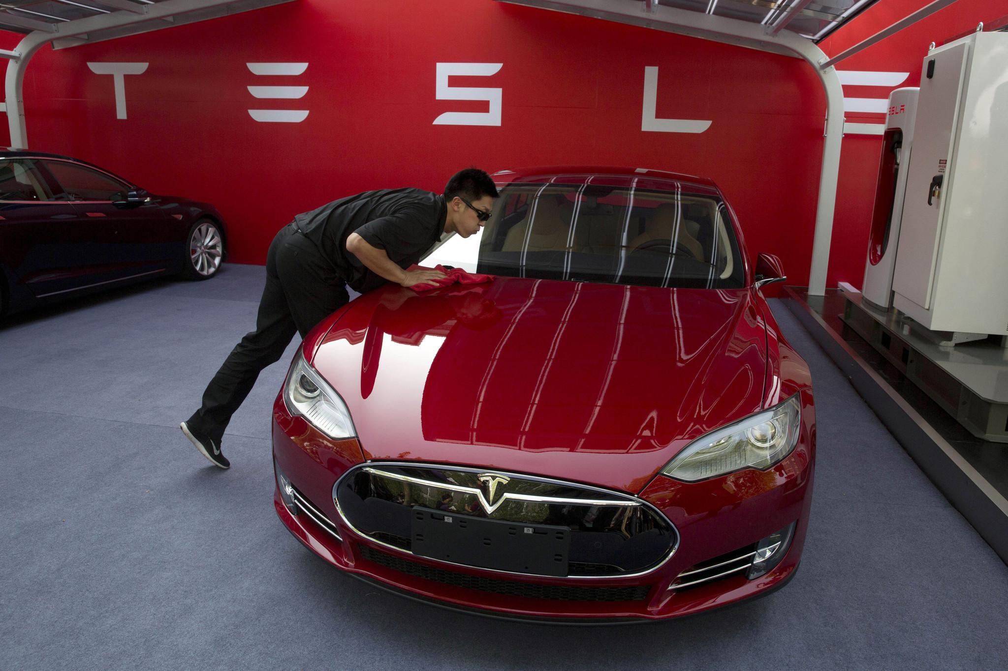 Tesla Panasonic Partner For Billion U S Gigafactory La Times