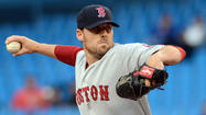 Cardinals get Lackey from Red Sox