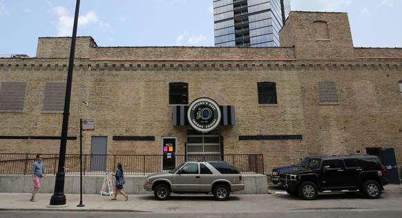 Exterior of the new iO Theater in lincoln Park.