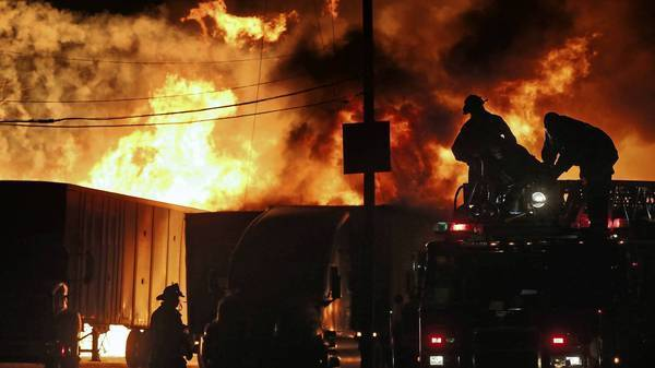 Extra-alarm fire in Little Village destroys pallet business, buildings, trucks