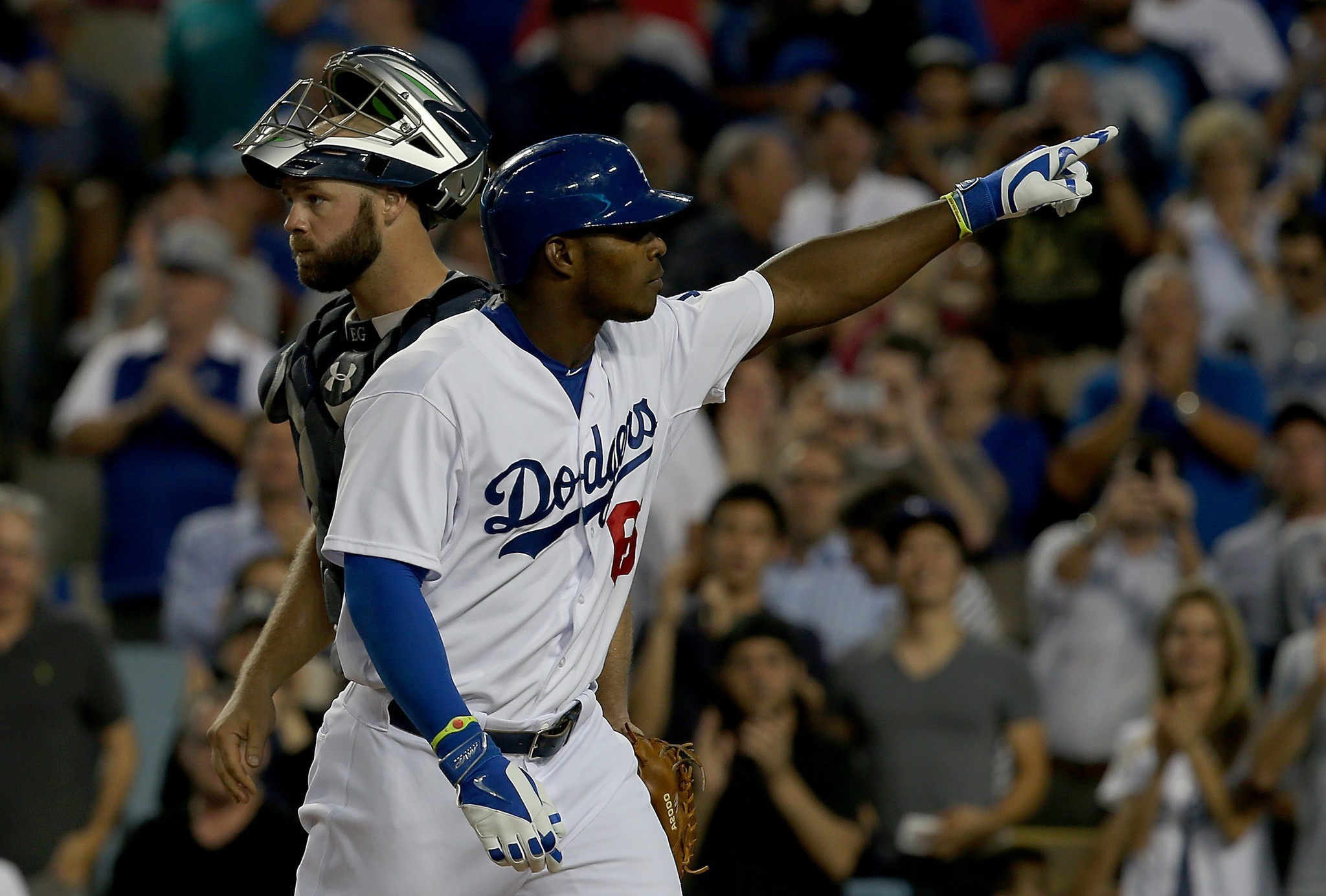 Dodgers complete sweep of Atlanta Braves in 2-1 win