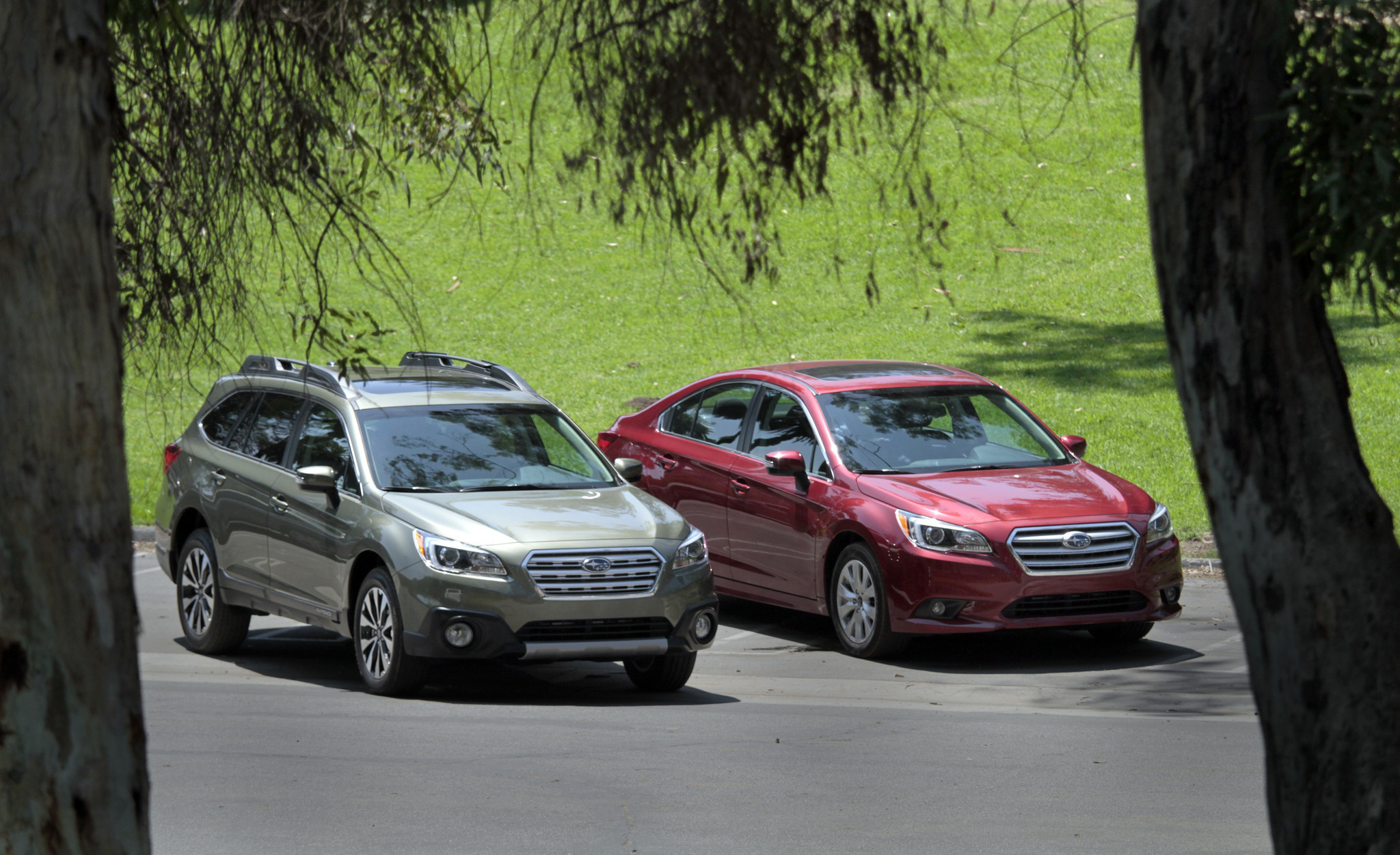Auto review subaru revs up tech safety and style of legacy outback la times