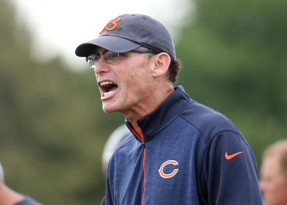 Marc Trestman directs Bears practice
