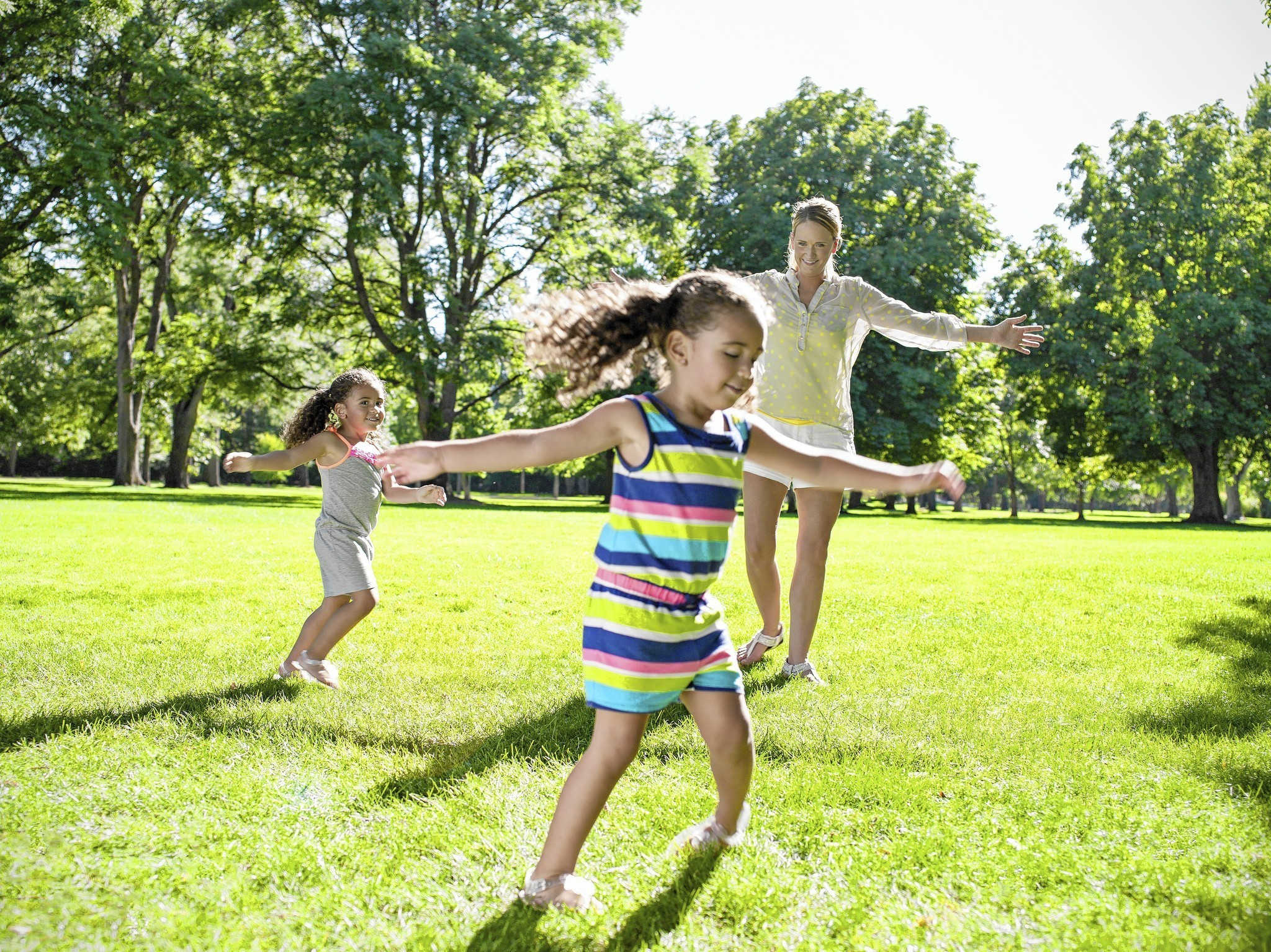 Outdoor workout with kids Take your workout outside and kids
