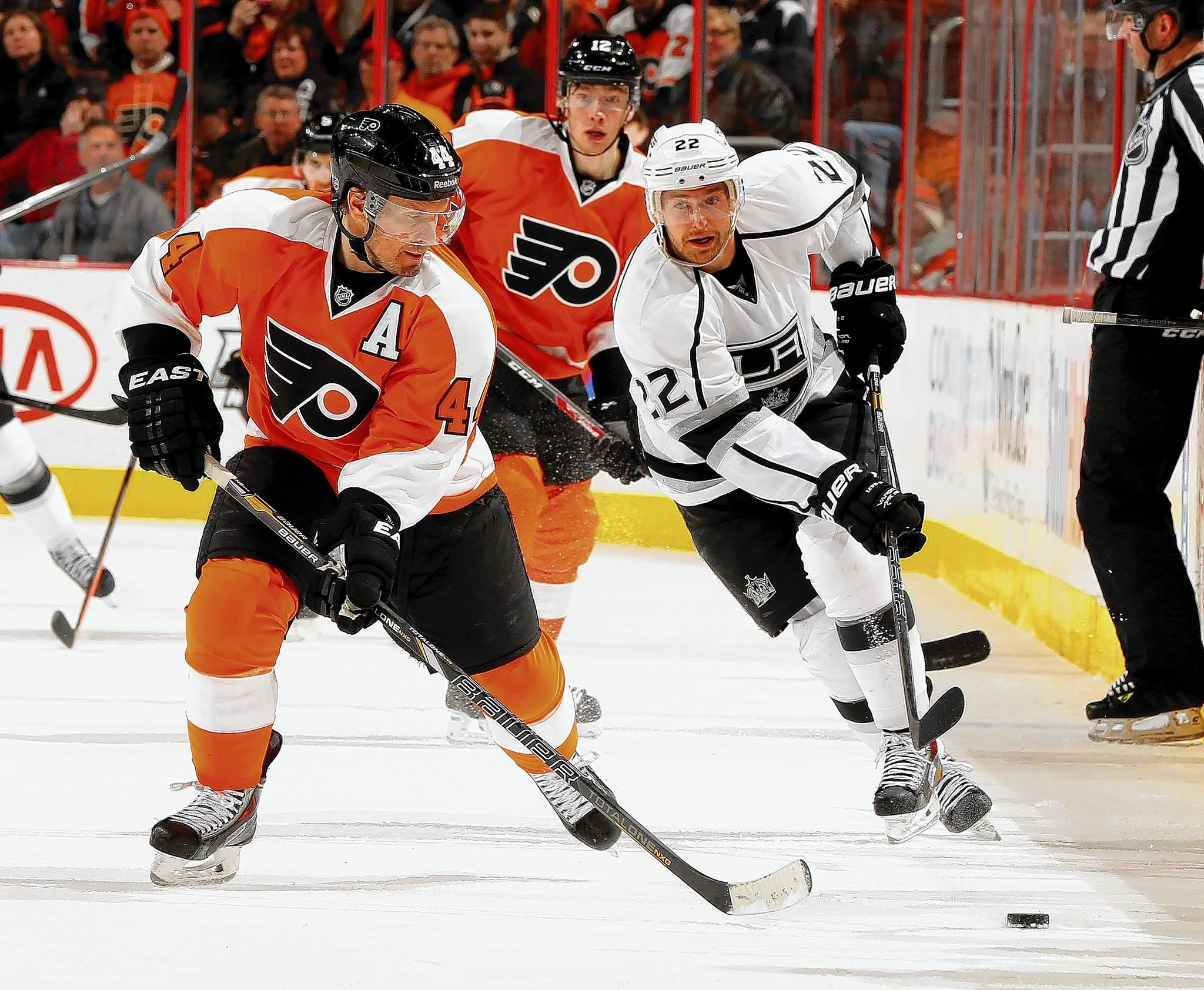 Flyers defenseman Kimmo Timonen is being treated for blood clots in his lungs, the team said Tuesday.
