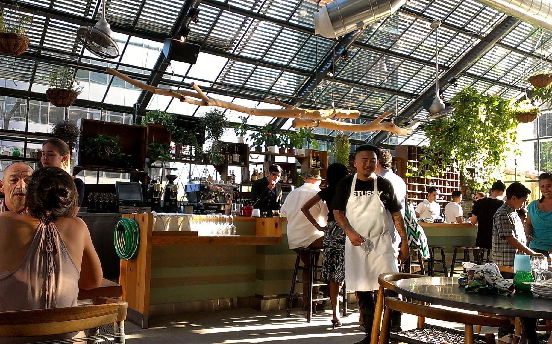 First Look Roy Choi S Commissary Is Open At The Line